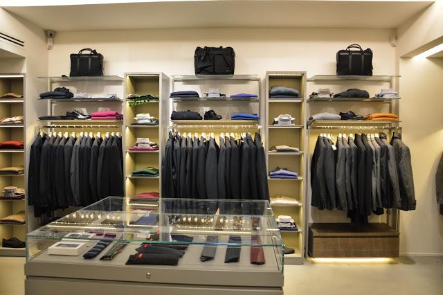 Arredamenti per negozi arredamento su misura per negozi for Arredi per negozi abbigliamento