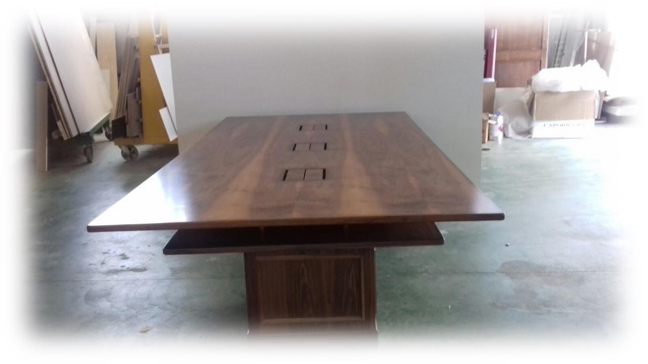 Ufficio Per Negozio : Realizzazione tavoli in legno su misura. tavoli in legno per casa