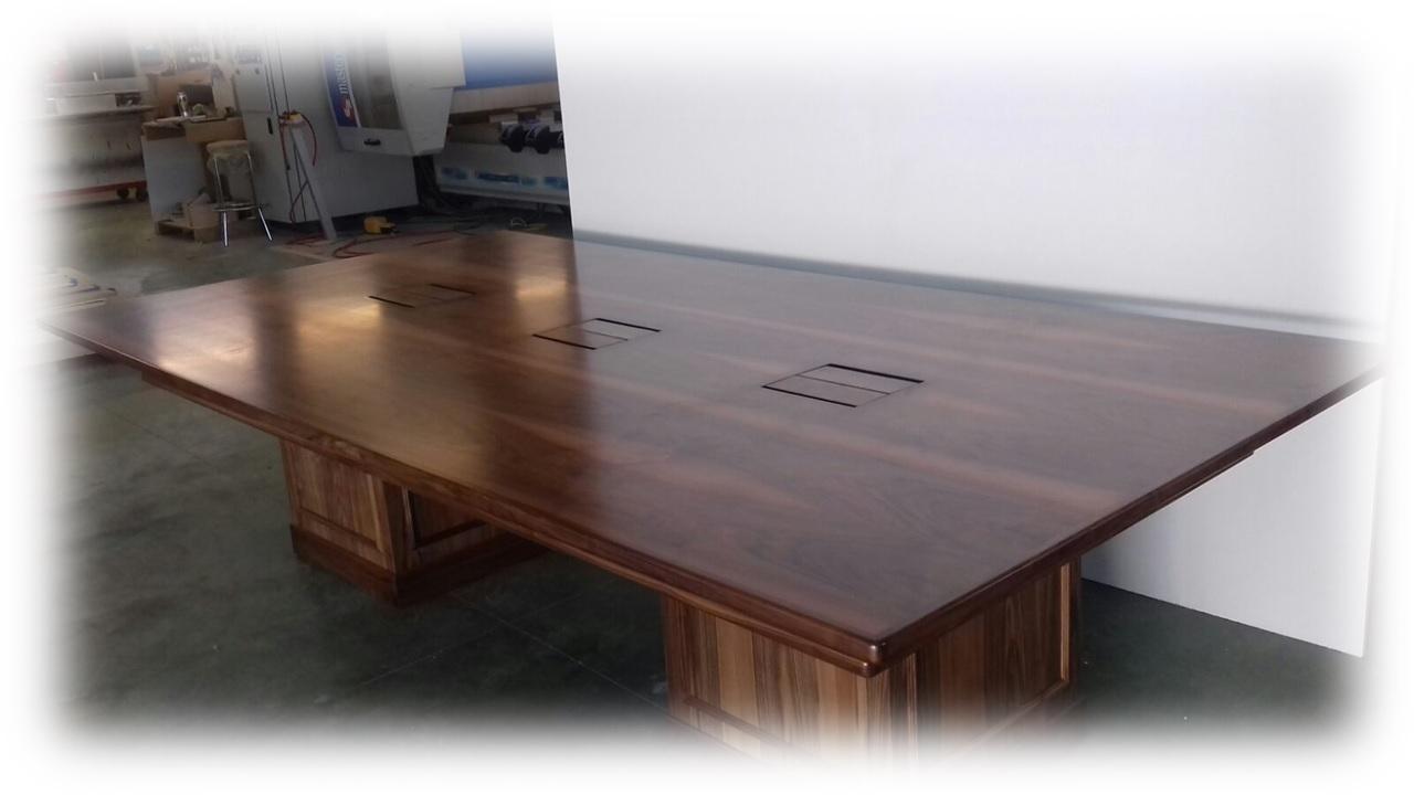 Realizzazione tavoli in legno su misura. Tavoli in legno per casa ...